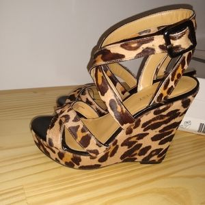 Nine West Sandals. Wedges. Animal print.